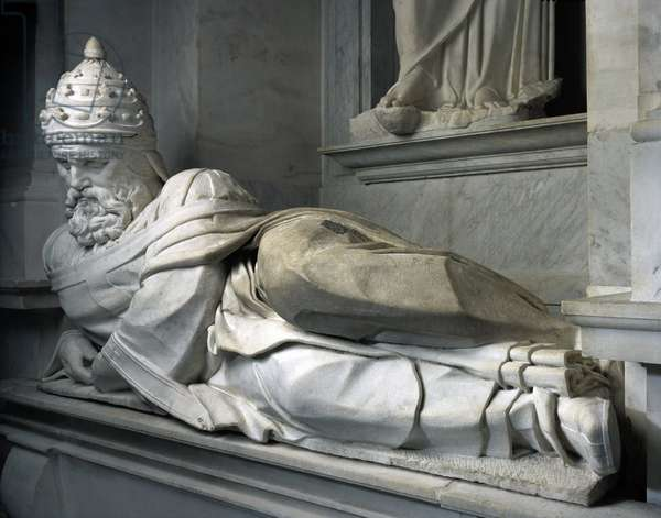 Mausoleum of Jules II, 1513-1545: Pope Jules II (1443-1513). Sculpture of the Renaissance by Michelangelo Buonarroti called Michel Ange (Michelangelo or Michelangelo, 1475-1564). San Pietro in Vincoli, Rome.