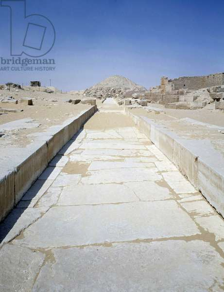 Antiquite Egyptian: view of the road leading to the Pyramid of Ounas, ruler of the 5th dynasty. Saqqara (Sakkara) Egypt