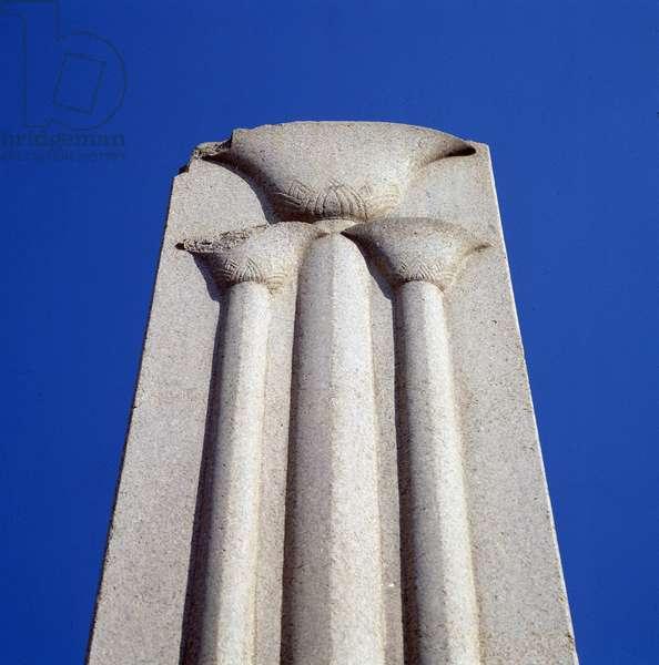 Karnak: Temple of Amon, Pillar decorated with papyrus