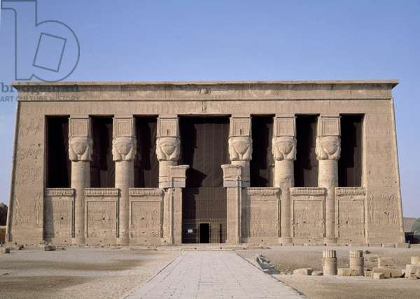Egyptian Antiquite: view of the facade of the temple dedicated to the goddess Hathor in Denderah. Egypt