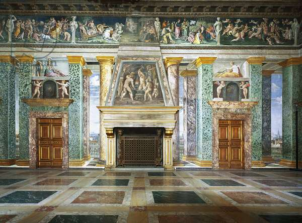 Art mannierism. Salon of the perspective of Villa Farnesina in Rome. Dimension fireplace with trompe l'oeil architecture. Painting by Baldassarre Peruzzi (1481-1537), 1517-1518. Fresco