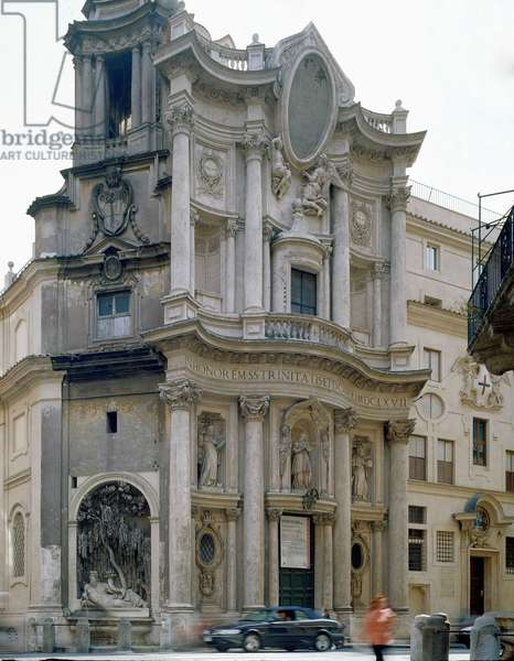 Facade of the Church of San Carlo alle Quattro Fontane, Rome. Baroque architecture by Francesco Borromini, 1665-67.