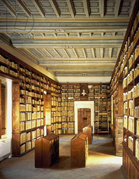 Overview of the library of the Church of San Carlo alle Quattro Fontane, Rome. Baroque architecture by Francesco Borromini, 1665-67.