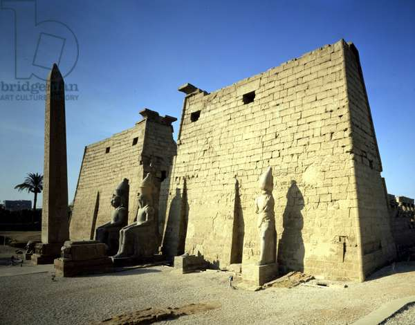 Pylon Temple with Colossal Statues - Louksor or Luxor