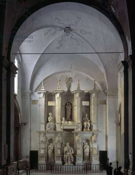 Renaissance art: Overview of the Mausolee of Jules II at the Church of San Pietro in Vincoli, Chapel della Rovere in Rome. Sculpture by Michelangelo Buonarroti called Michelangelo (Michelangelo or Michelangelo, 1475 - 1564), 1513-1545
