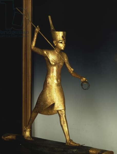 Tutankhamun with a harpoon, Thebes - Museum of Egypt, Cairo