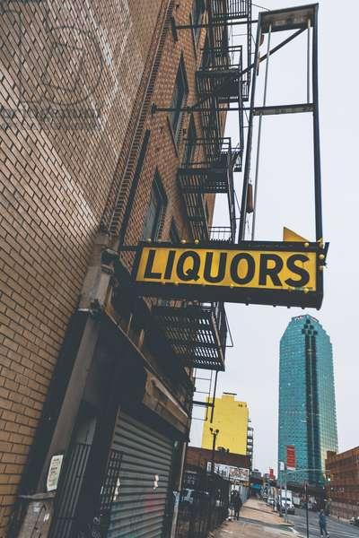liquor store closed down nyc, 2008, photograph