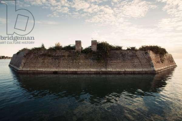 Poveglia Island, Venice, Italy, 2016 (photo)