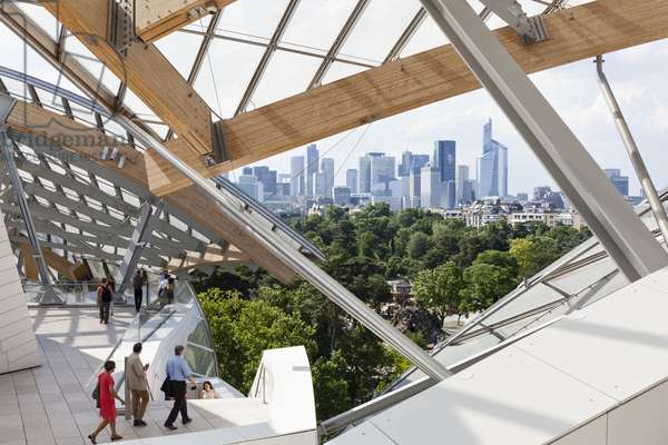 Upper terrace with view to the Bois de Boulogne and city, Fondation Louis Vuitton, Paris, France, 2015 (photo)