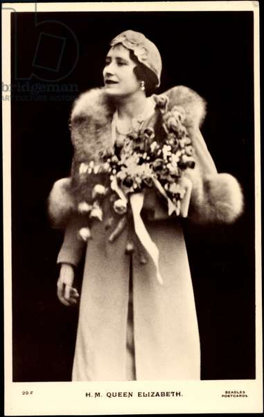 Ak H.M. Queen Elizabeth, Queen of England, Queen Mum (b/w photo)