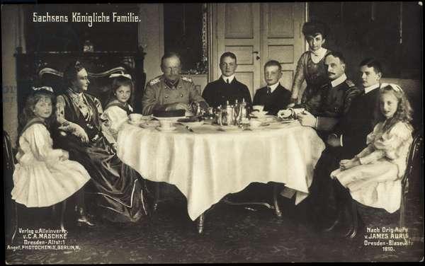 Ak King Frederick August III of Saxony, family, photo montage (b/w photo)