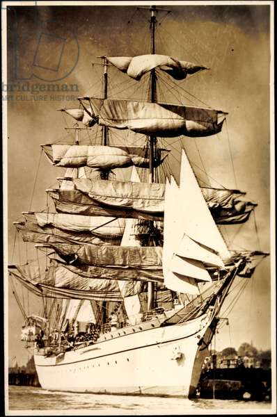 Photo sailing ship in the harbor, three master, Gorck Fock?