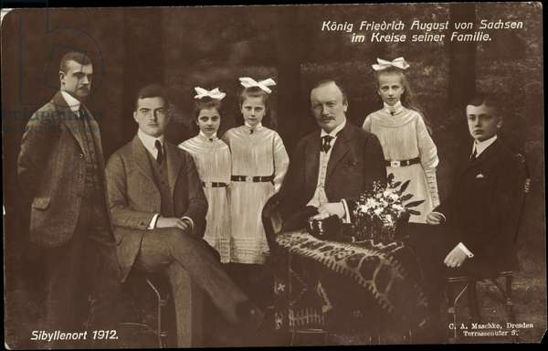 King Frederick August III in the circle of his family