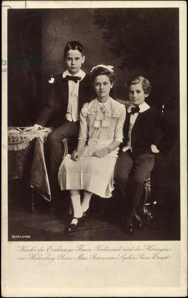 Ak Kinder des Archduke Franz Ferdinand, Max, Sophie, Ernst (b/w photo)