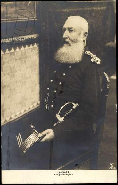 Ak Leopold II King of Belgium in uniform, sabre (b/w photo)