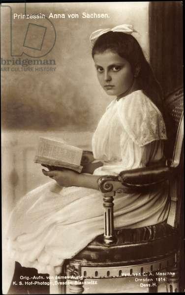 Ak Princess Anna of Saxony, seat portrait, book (b/w photo)