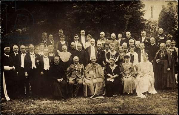 Photo Ak King Frederick August III of Saxony, clergy, army leader, 1924 (b/w photo)