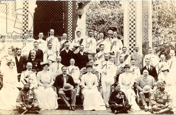 George V and Queen Mary with a large group of people in Bombay on their way to the Delhi Durbar, 1911