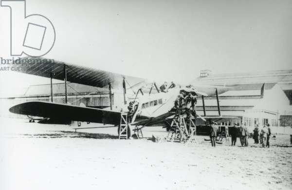 De Haviland Hercules biplane, 1926 (b/w photo)