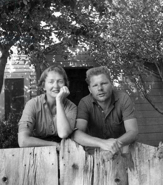 Photograph of Anne Dean Truitt and James McConnell Truitt, c.1950 (b/w photo)