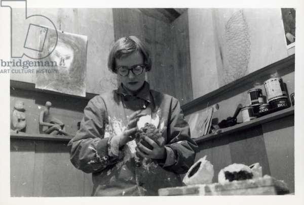 Anne Truitt in her studio, Dallas, Texas, c.1951 (b/w photo)