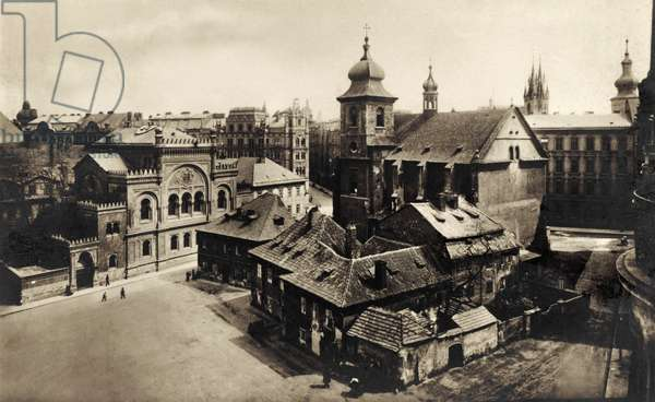 Spanish Synagogue - Spanelska Synagoga in Prague (on left of square)