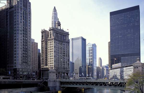 Chicago: Topographic Views of the Chicago River, 1995 (photo)