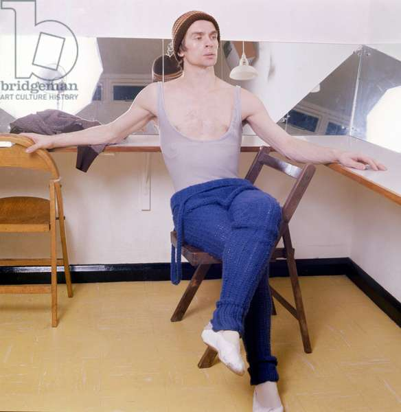 Rudolph Nureyev in his dressing room, Royal Ballet School, London, 1973 (photo)