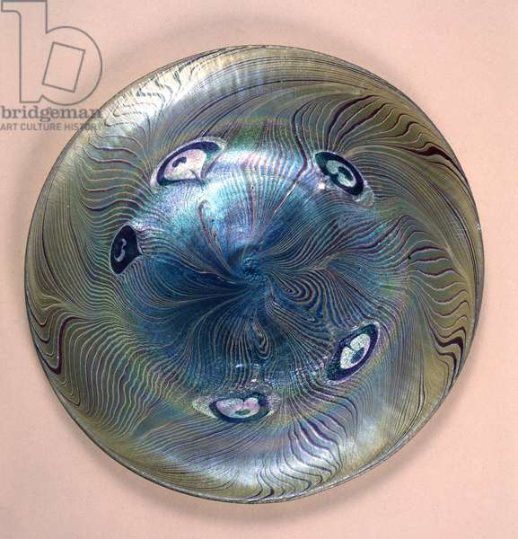 Tiffany favrile plate, New York, 1902 (glass)