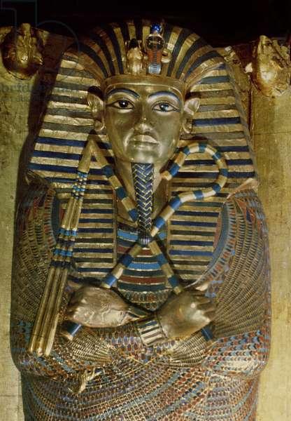Innermost coffin of Tutankhamun, from the Tomb of Tutankhamun (c.1370-1352 BC) New Kingdom sheet gold, lapis lazuli & other semi-precious stones) (detail)