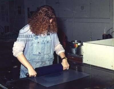 Processes of Lithographic Printing: Stage 2 - Rolling the Slab (photo)