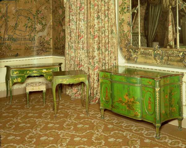 Green and gold lacquer furniture in the state bedchamber at Nostell Priory, Yorkshire (photo)