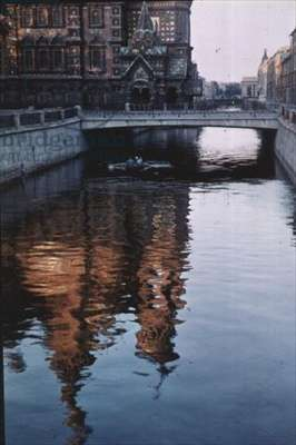 The Griboyedov Canal in the early morning (photo)