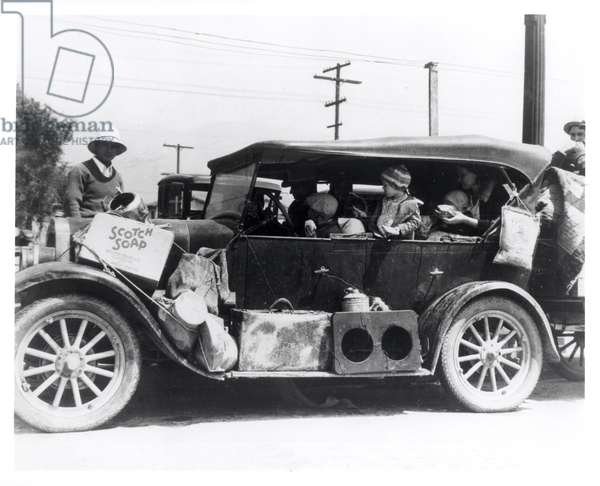 More Oklahomans reach California via the cotton fields of Arizona, June 1935 (b/w photo)