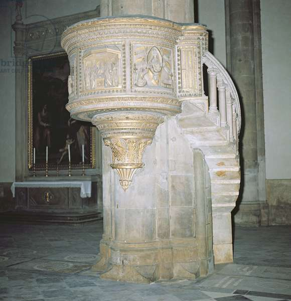 Pulpit, 15th century (marble and gilt)