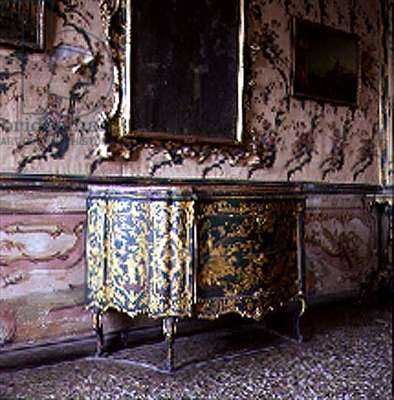 Chest of drawers from the Palazzo Calbo Crotta, Venice (lacquer)