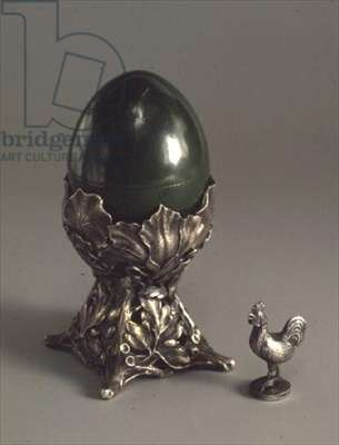 Easter egg inlaid with velvet and mounted in silver and a cast and chased silver cockerel, Faberge workshop, 1908-17 (nephrite & silver)
