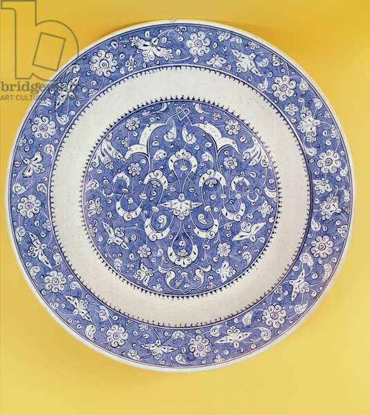 Isnik earthenware dish, early 16th century 8:Turkish