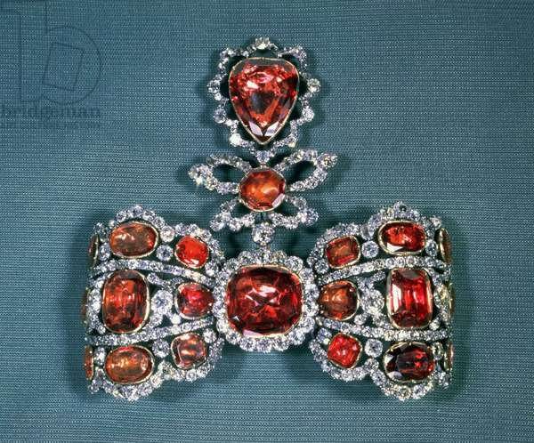 Bow brooch set with brilliant cut diamonds and spinels, by Pfisterer, 1764 (gold, silver, diamonds and spinels)