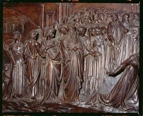 The Shrine of St. Zenobius, detail of the crowd from the Miracle of the Strozzi Boy, c.1432-42 (bronze) (detail of 97641)