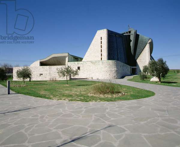 Exterior view of the Chiesa Autostrada (photo)