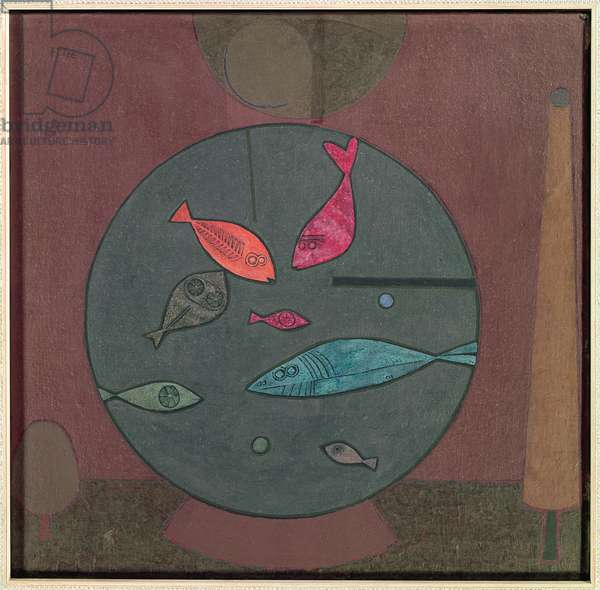 Fish in a circle, 1926 (oil and tempera on primed muslin on cardboard)