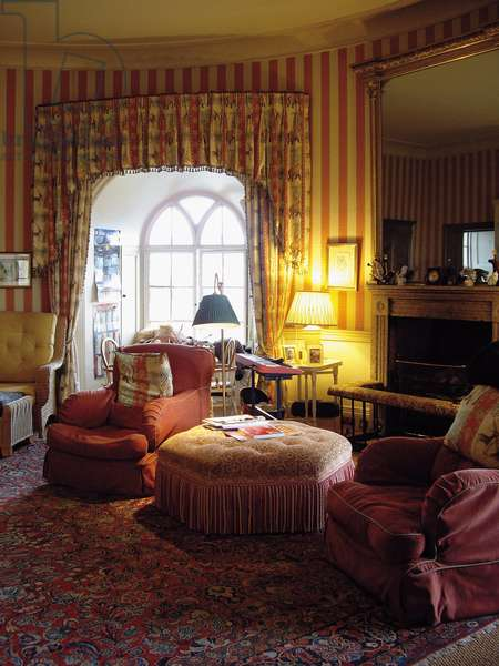 Semi-circular room in the north-east tower, Belvoir Castle, Leicestershire (photo)