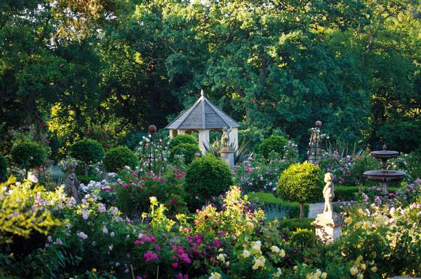 The Summer House in the Rose Garden, Belvoir Castle, Leicestershire (photo)