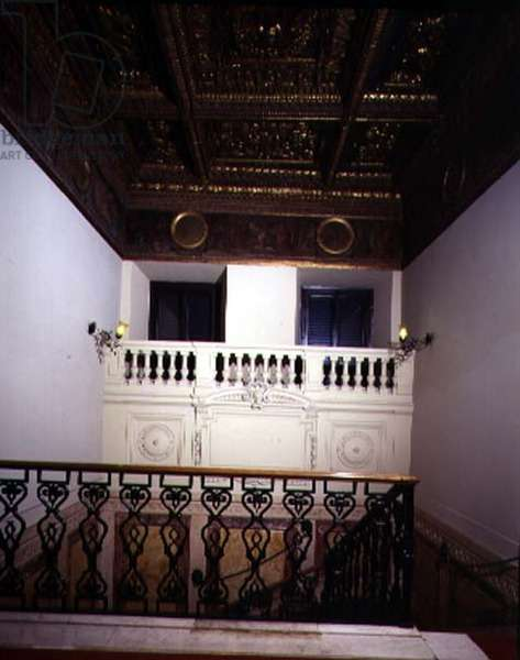 View of the stairs with coffered ceiling dating from the time of Alessandro de'Medici (1510-37) (photo)