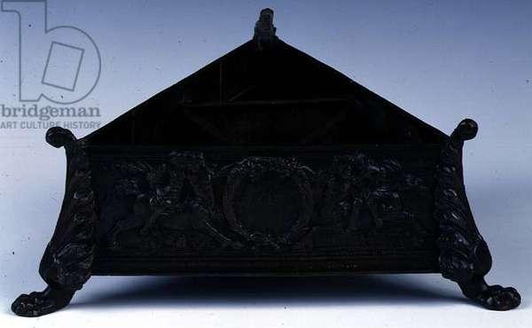 Triangular box, by Cristoforo Foppa (il Caradossa) (bronze)