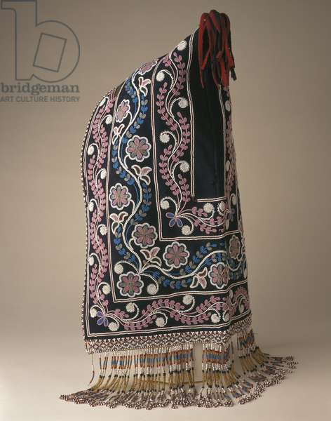 Woman's hood, Cree Nation, from the James Bay Region, c.1840-60 (wool cloth, glass beads and leather)