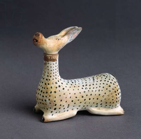 Scent bottle in the shape of a hind (pottery)