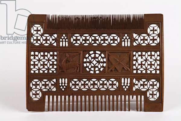 Comb, c.1500 (boxwood)
