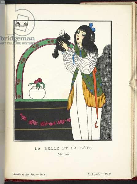 """""""La Belle et La Bête - Matinée."""" Matinée en crépon de soie; la casaque en crêpe de Chine imprimé est garnie d'un large volant."""